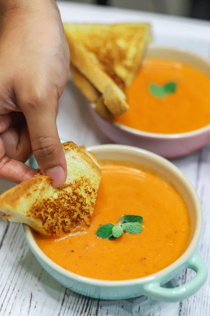 30 Minute Tomato Soup
